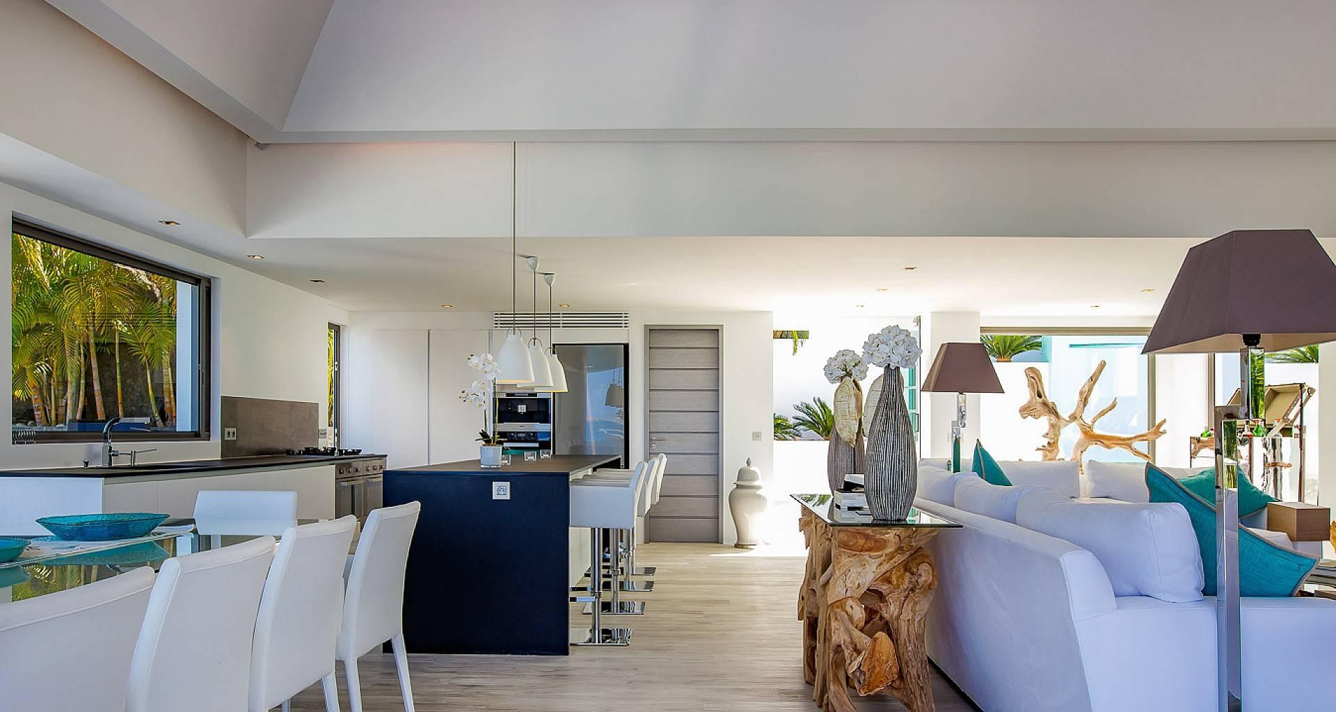 Villa Avenstar Living Area