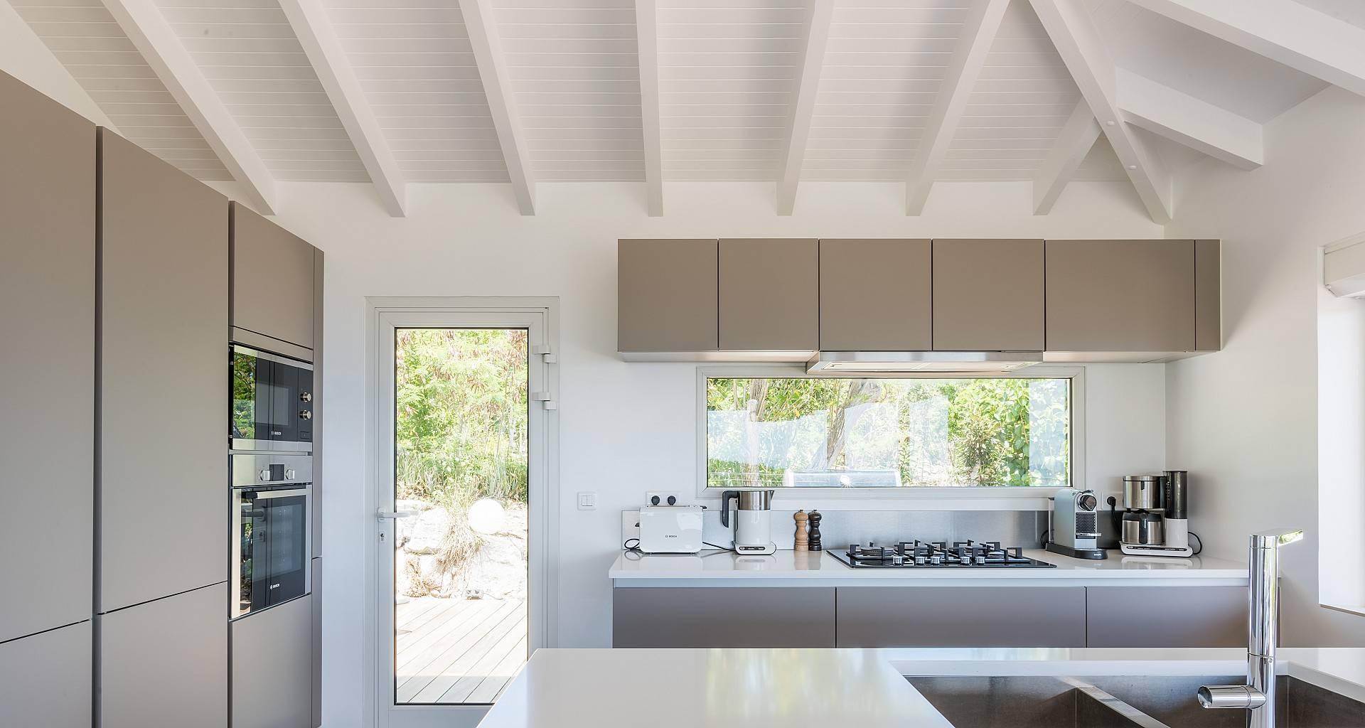 Villa Avalon Kitchen