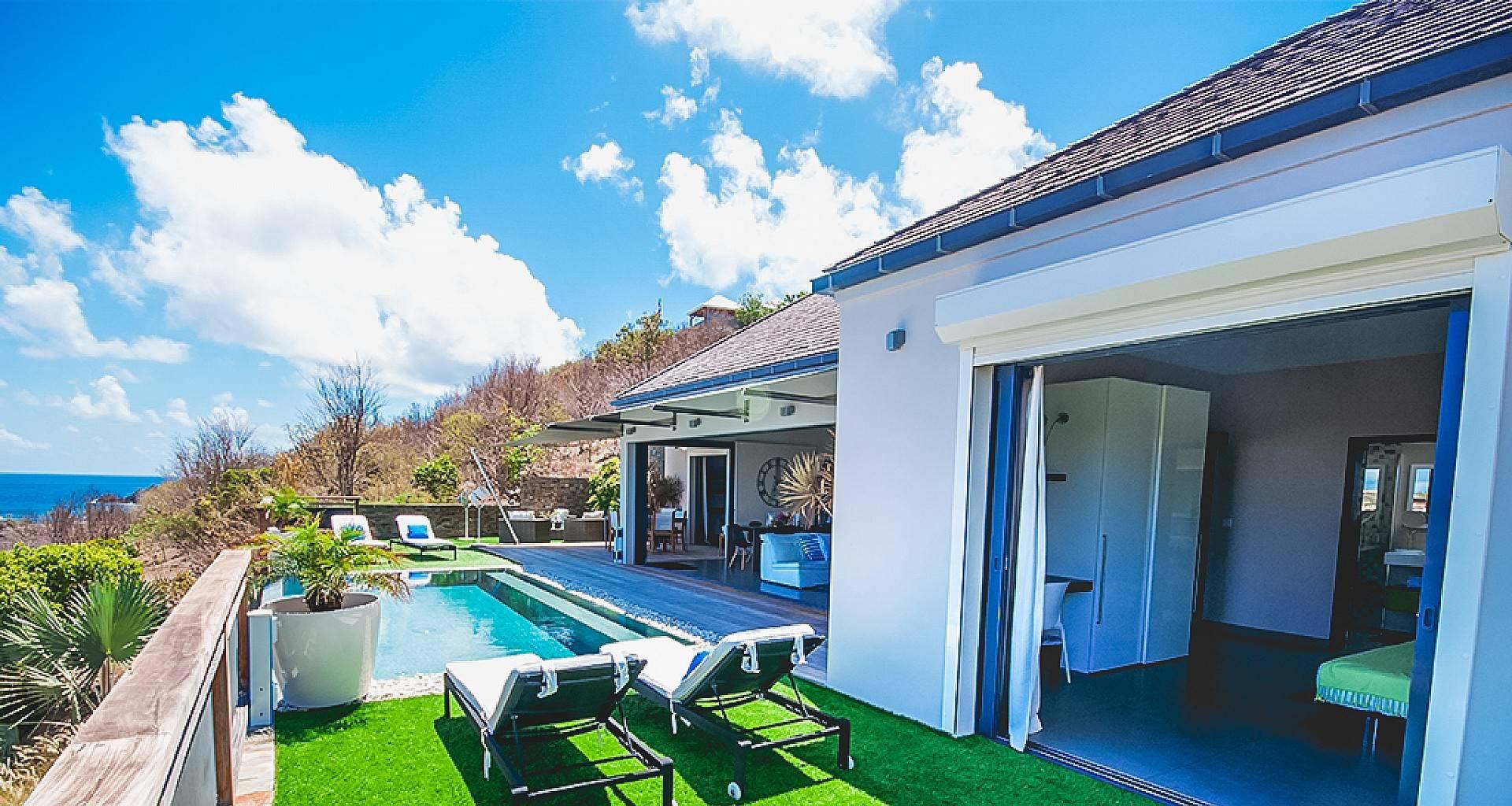 Villa Open Space Outside